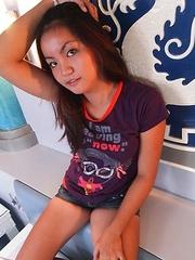 Sweet Filipina Ashley