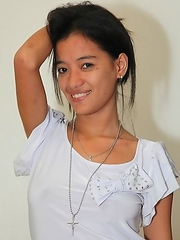 Filipina with great tits Ellah